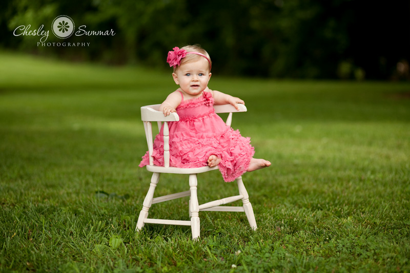 9 Month Baby Portrait Ideas http://www.chesleysummarphotography.com/?p=3590